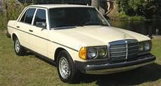 old car owners manuals 1993 mercedes benz 300d security system mercedes benz 300d 300td service manual 1976 1985 mercedes benz mercedes benz service