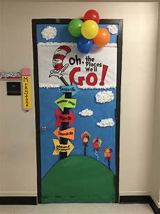 dr seuss door decorating contest school dr seuss crafts dr seuss bulletin board
