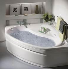 baignoire en coin avec baignoires baln 233 os twinzen 2 allibert belgique