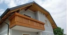 balkongeländer holz modern balkone aus holz baumesse