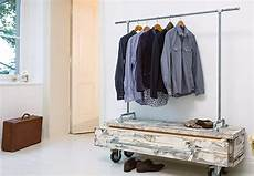 garderobe aus rohren selber bauen rohrgarderobe obi