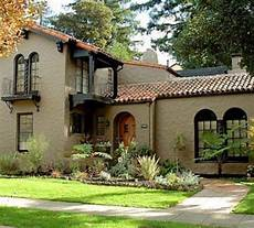 40 spanish style exterior paint colors you will love roundecor