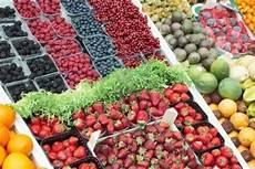 mercato alimentare mercato alimentare e consumismo basta italia