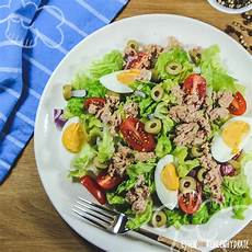 Salat Mit Thunfisch Und Ei Essen Ohne Kohlenhydrate
