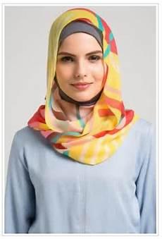 Macam Macam Jilbab Monochrome Segi Empat Merupakan