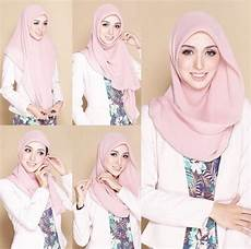 25 Tutorial Jilbab Wisuda Segi Empat Yang Elegan Tapi