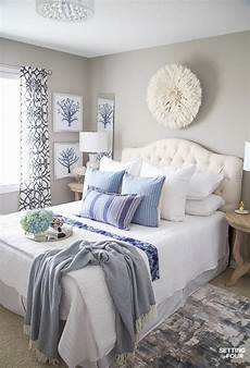 Simple Home Decor Ideas Bedroom by 7 Simple Summer Bedroom Decorating Ideas Setting For Four