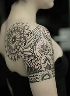 Kadın Omuz D 246 Vmeleri Mandala Shoulder Tattoos