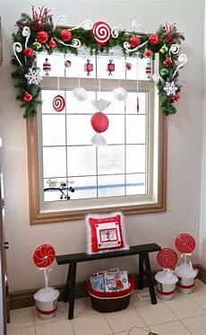 Decorations For Windows by Add Cheer To Your Windows By Decorating Them For