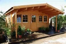 das gartenhaus mit vordach