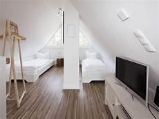 dachboden schlafzimmer ideen ferienhaus hus hanbutt spitzboden en 2019 dachboden