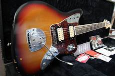 fender jaguar kurt cobain fender kurt cobain road worn jaguar image 496090