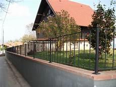 prezzo ringhiera foto ringhiere in ferro per recinzioni in sasso