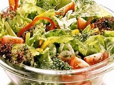 kalorien gemischter salat gemischter salat mit frischen kr 228 utern rezept eat smarter