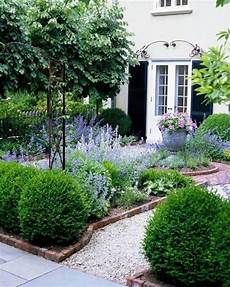 33 Small Front Garden Designs To Get The Best Out Of Your