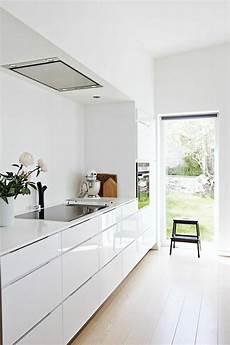 cuisine blanche laquée la cuisine blanche laqu 233 e en 35 photos qui vont vous inspirer