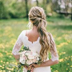 the best wedding hair tips for wearing a side ponytail
