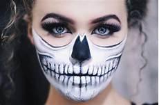 Make Up Halbes Gesicht - half skull makeup schminken frauen