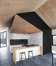 credence carrelage noir credence cuisine moderne en noir et cuisine contemporaine en blacn noir et vois sol carrelage