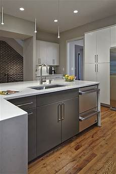 L Shaped Kitchen Island With Sink by L Shaped Island Quartz Countertops And Pendant Lighting