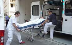 Auxiliaire Ambulancier Croix Fran 231 Aise