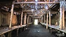 d 233 couverte d une maison longue iroquoienne par
