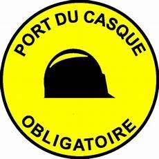 port du casque à vélo panneau port du casque obligatoire stocksignes