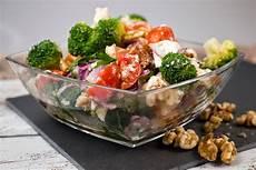 Rezepte Mit Getrockneten Tomaten - brokkolisalat mit getrockneten tomaten 3 6 5