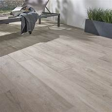 carrelage gris exterieur carrelage sol brun clair effet bois heritage l 20 x l 120