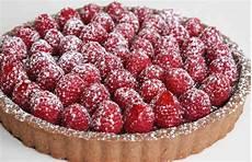 crostata crema benedetta rossi crostata con crema pan di stelle e frutti rossi golosa al