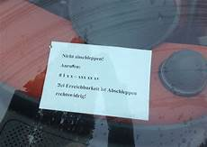 zettel windschutzscheibe falschparker nicht abschleppen anrufen bei erreichbarkeit ist