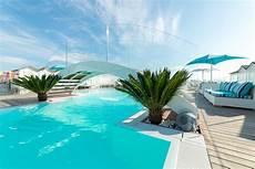 bagno in piscina in riccione piscine vendita e costruzione di lacagnina