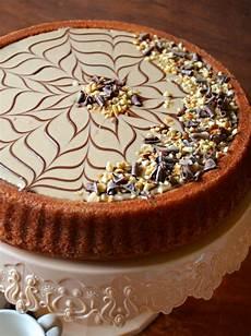 crema alla nocciola per torte dolci a go go crostata morbida con crema alla nocciola fiorita