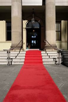 who started the carpet tradition