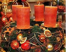 4 candele dell avvento idee per corone dell avvento per tutti i gusti idee