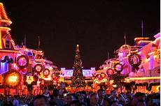 tips for mickey s very merry christmas party verymerry