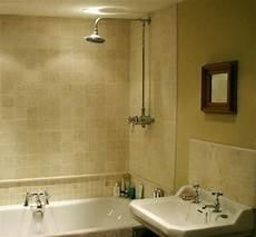 badezimmer halb gefliest half tiled bathroom home