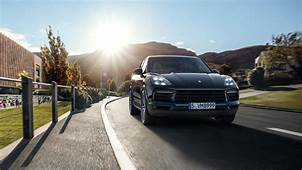 2018 Porsche Cayenne Launched Price Starts From Rs 119 Crore