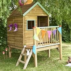 maison sur pilotis enfant maisonnette enfant bois trait 233 winny sur pilotis gamm vert