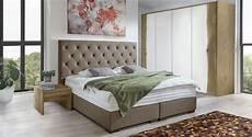 schlafzimmer komplett mit aufbauservice landhaus schlafzimmer mit boxspringbett handmade belfast
