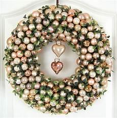 türkranz weihnachten kugeln t 252 rkranz weihnachten weihnachtskranz 33cm gold creme