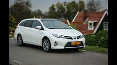 Toyota Auris Hybrid Ts 2013 Review