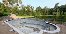 construire sa piscine quand construire sa piscine guide piscine fr