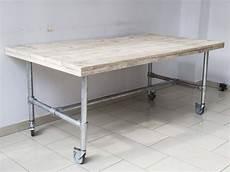 tisch mit rollen im industriedesign esstisch mit