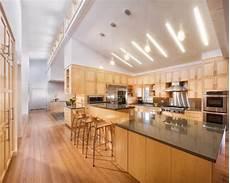 vaulted ceiling home design ideas renovations photos