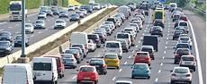 Mindest Richtgeschwindigkeit Auf Der Autobahn Adac
