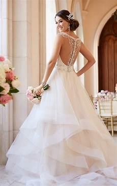 Open Back Lace A Line Wedding Dresses Cheap Unique Bridal Dresses Wd587