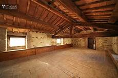 l antica soffitta palazzo storico ristrutturato in vendita tra umbria e toscana