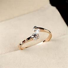 new trendy italian crystal engagement ring 18k