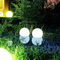 lumiere solaire de jardin les accessoires de jardin pourquoi pas changer l